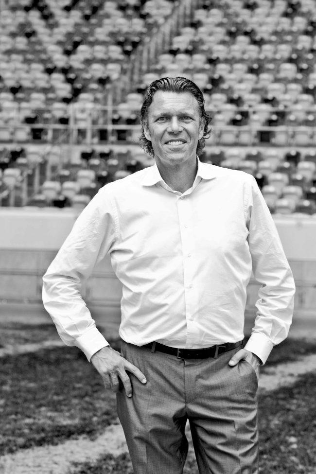 Urs Meier, Schweizer FIFA-Schiedsrichter